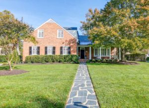 4304 Oxford Circle West in Windsor Farms